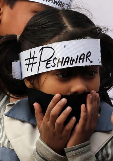 peshawar-girl_hand_3143324k