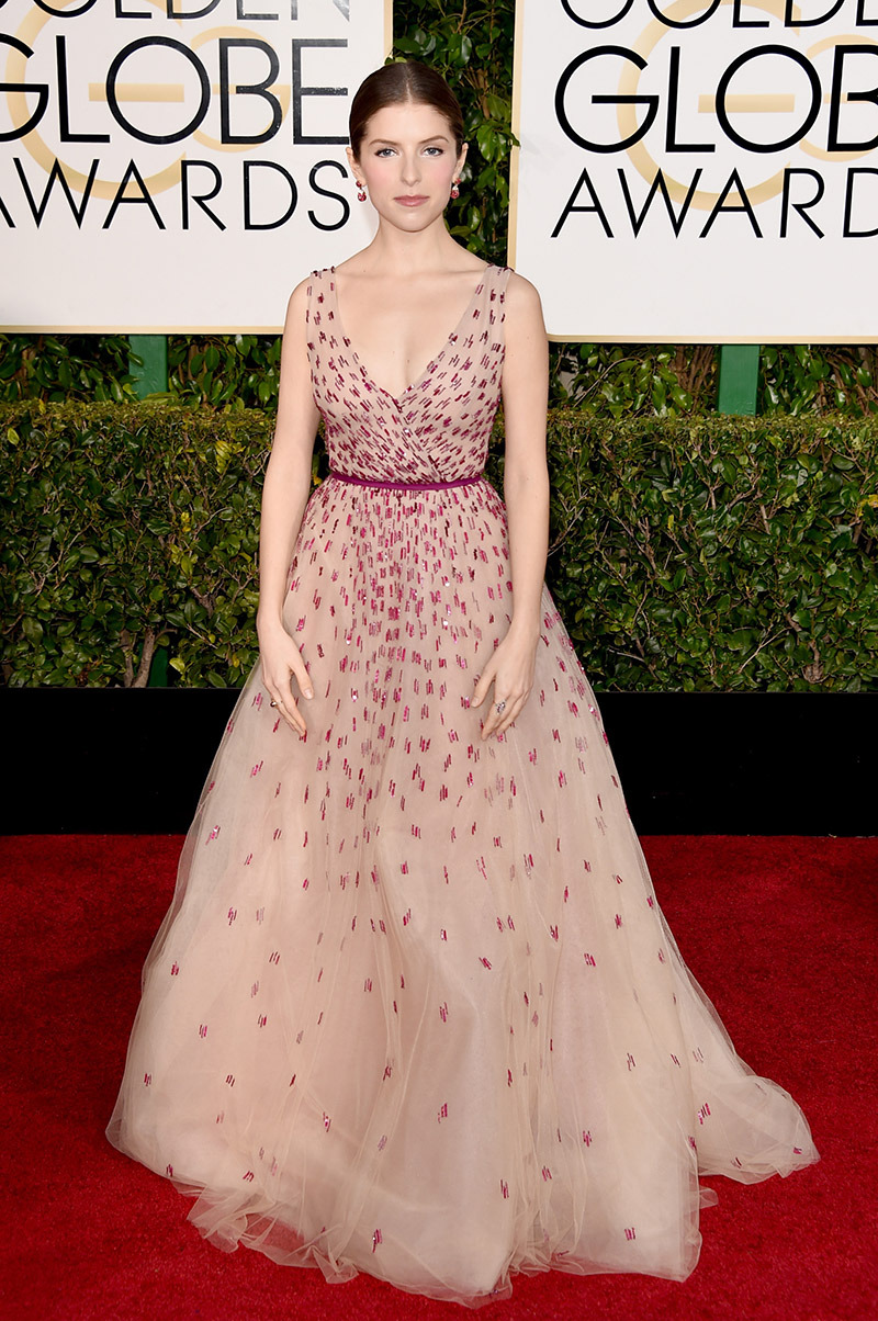 Anna Kendrick - Actually I really like the simplicity and elegance of this floral dress. And the hair and jewels are totally complementing the overall look!