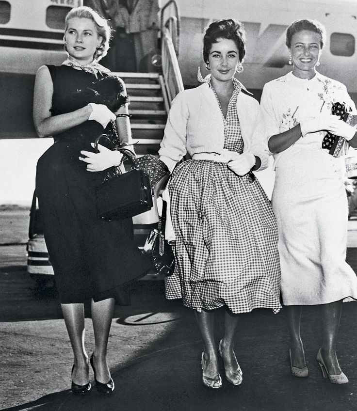 Grace kelly, Liz Taylor and Laraine Day after a TWA flight from LA to NY, 1954