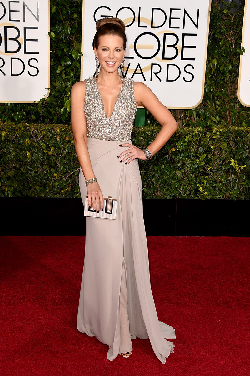 Kate Beckinsale can wear a shower curtain and she will look flawless!!!