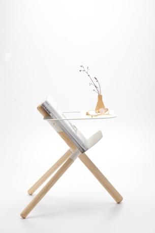 3-legged magazine table1