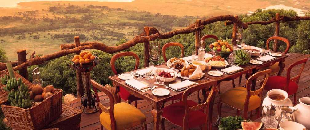 ngorongoro-crater-lodge-breakfast1.jpg.1920x810_default