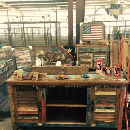 McCain's Furniture Co & Boutique